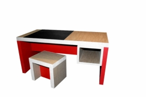 bureau enfant avec sous main ardoise tabouret brut et rouge. Black Bedroom Furniture Sets. Home Design Ideas